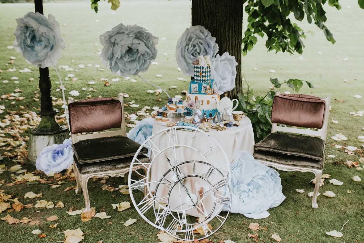 Alice in Wonderland Wedding-25