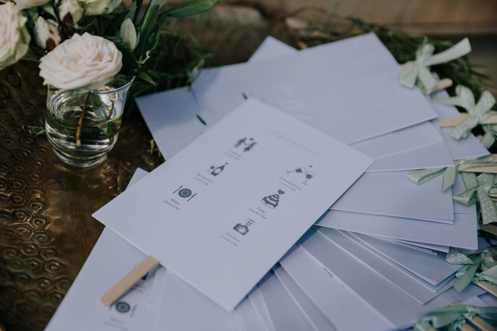 Hochzeitsfaecher mit Ablaufplan Timeline Gastgeschenke