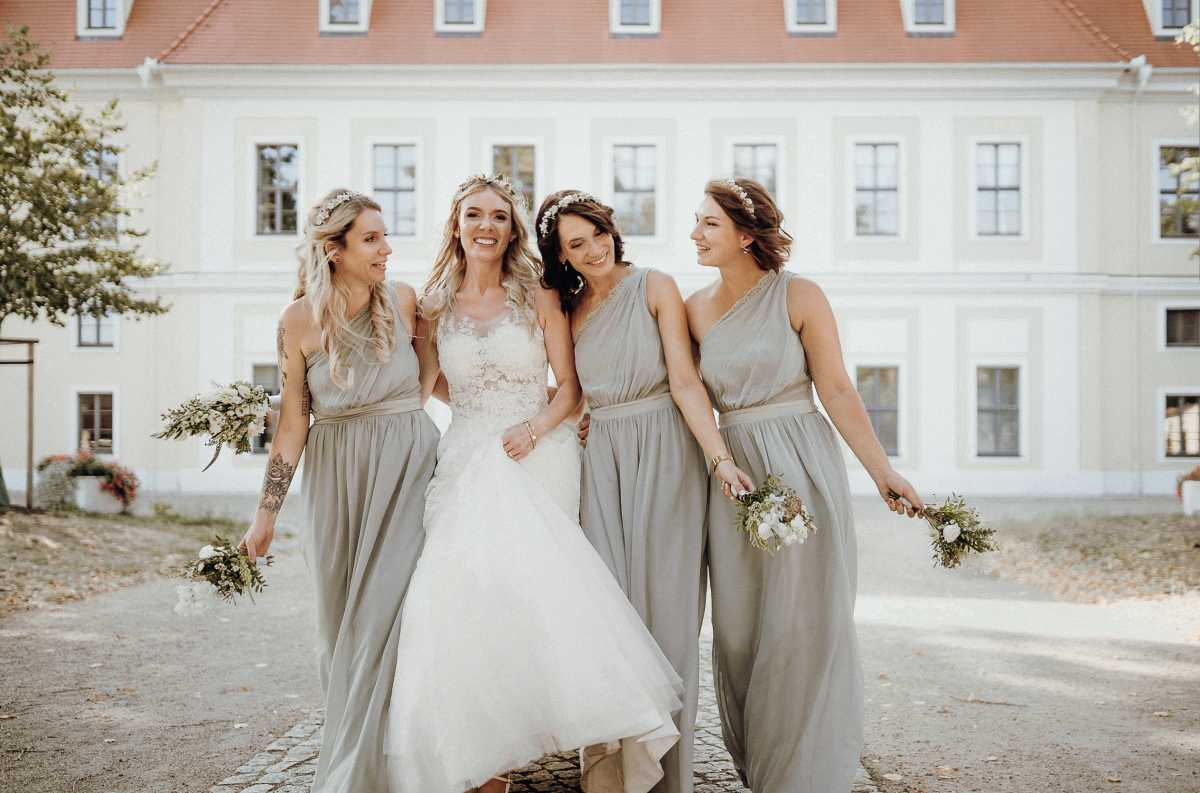 Hochzeitsoutfit für Brautjungfern