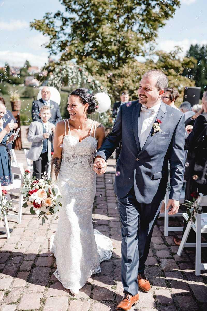 Brautpaar nach der freien Trauung