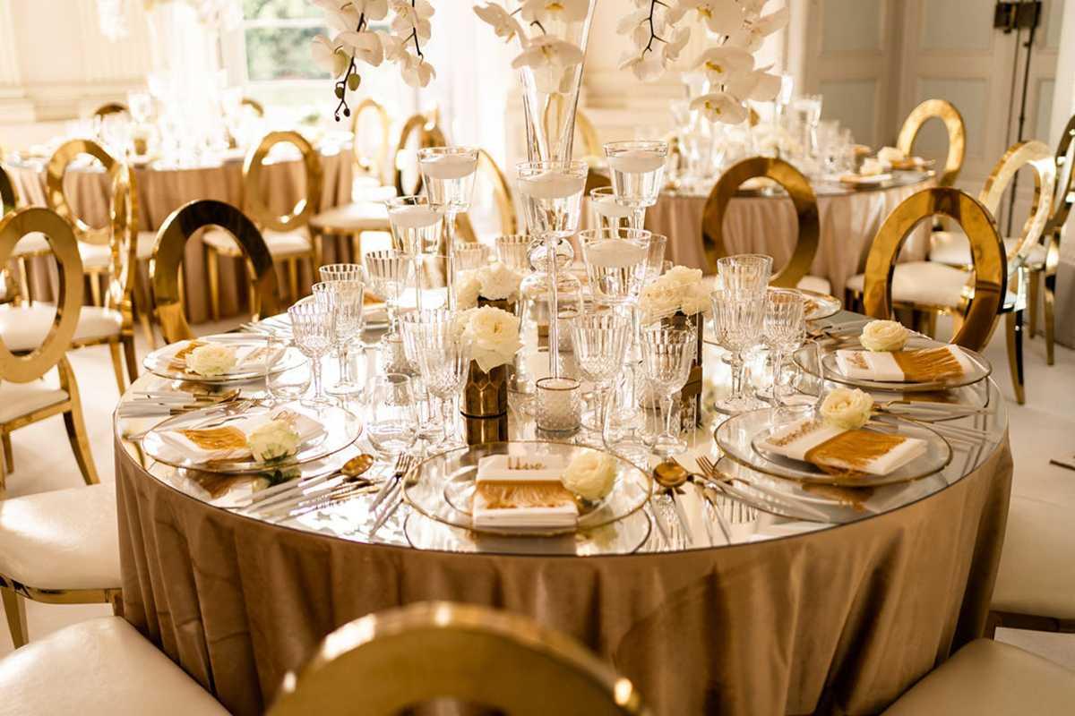 Tischdekoration im Kuppelsaal Seeschloss Monrepos