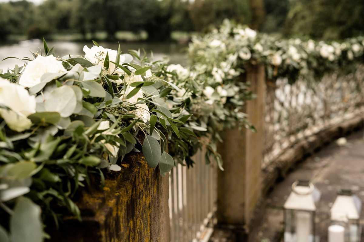Blumenschmuck im Außenbereich Seeschloss Monrepos