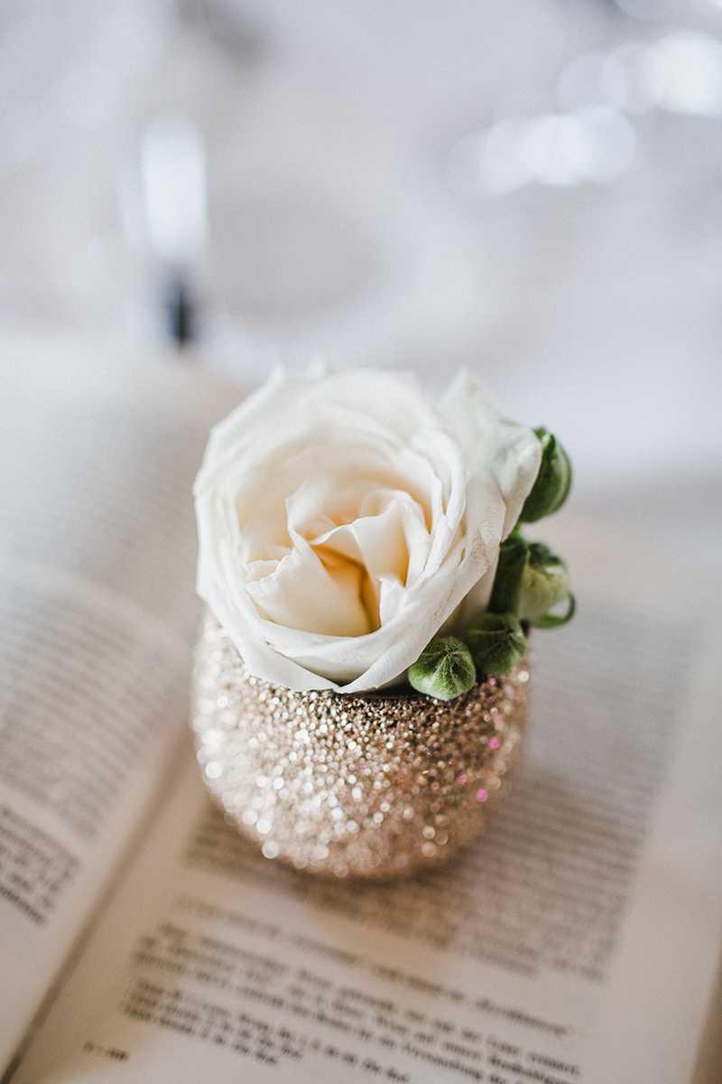 Blumendeko Hochzeit im Vintage-Stil